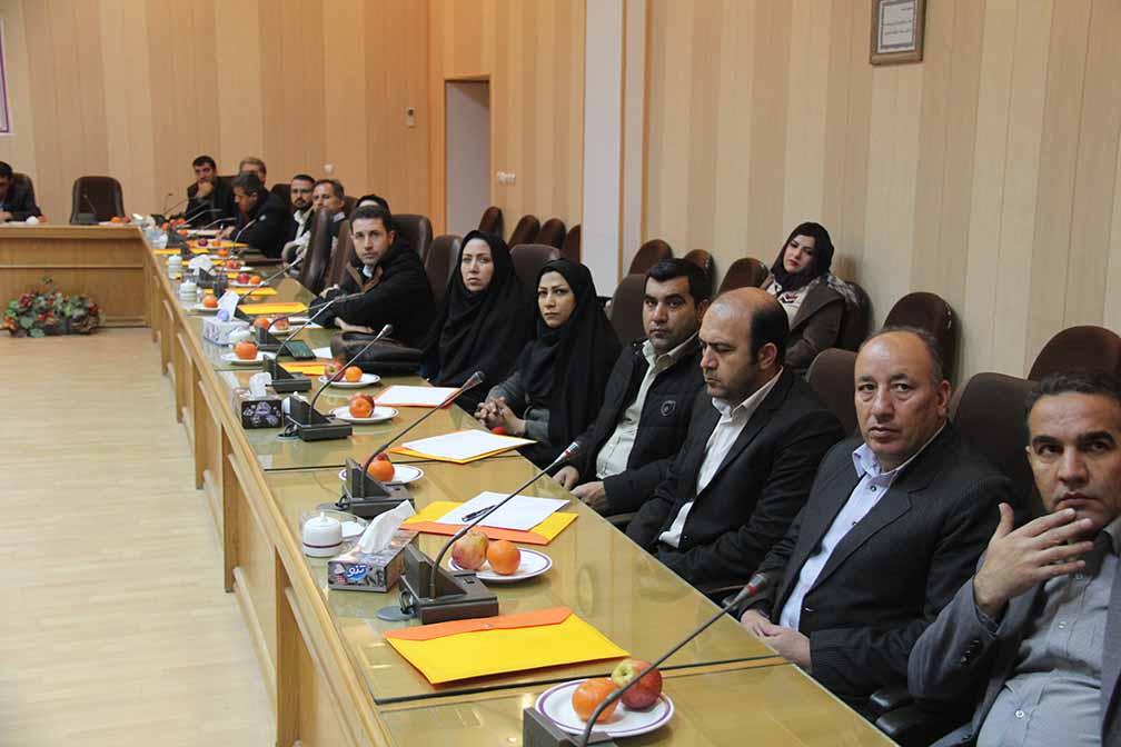 نشست تخصصی بررسی چالشهای رسوب سد ایلام  در دانشگاه برگزار گردید